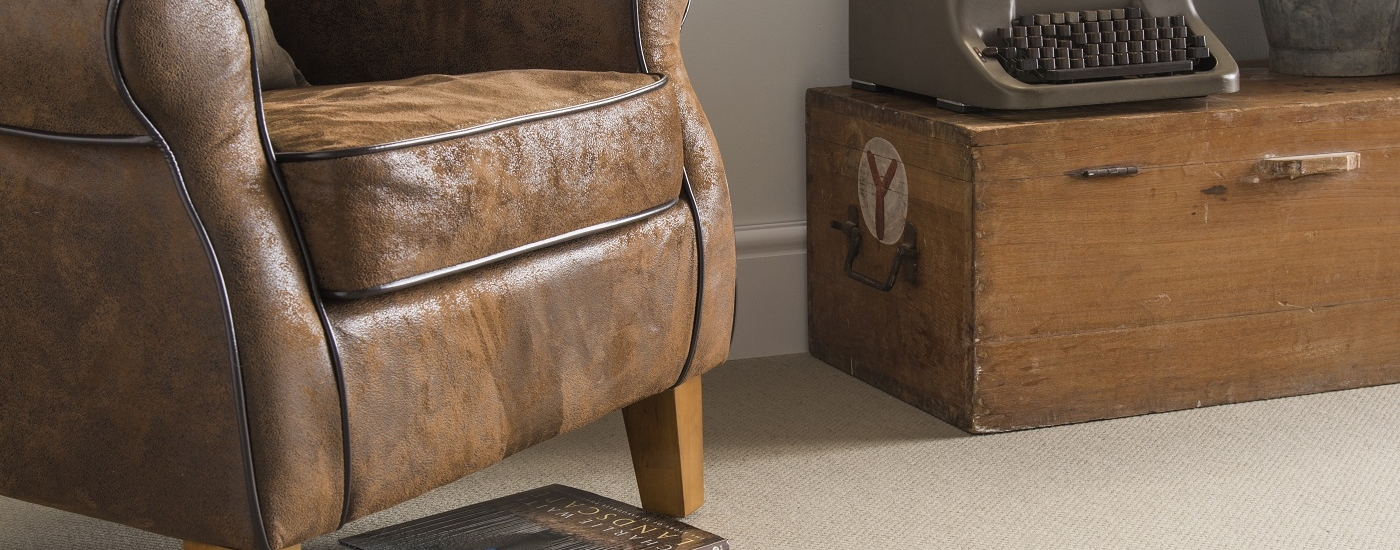 FIBRE_181114_236 WOOL_MCKENZIE_CANDLE leather chair